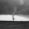 Lốc xoáy – Những điều cần biết khi gặp phải