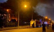 KCX Tân Thuận: một số CBCS bị bỏng nhẹ khi tích cực chữa cháy