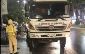 Hà Nội: Hàng loạt xe chở rác gây ô nhiễm môi trường bị xử lý